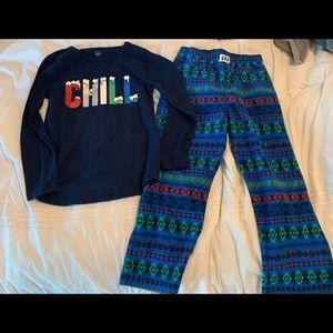 "GAP Boys' Fleece ""Chill"" PJ Set Size 6"